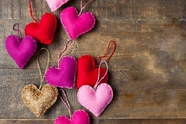 cách làm trái tim bằng vải nỉ