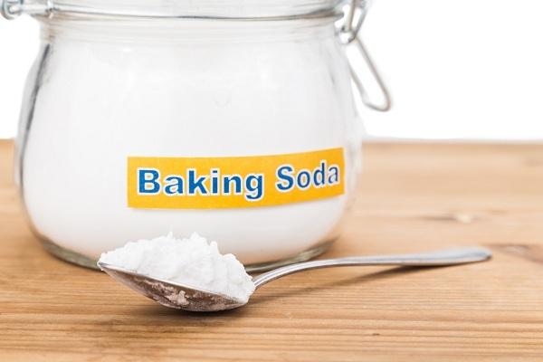 cách tẩy trắng quần áo bằng baking soda