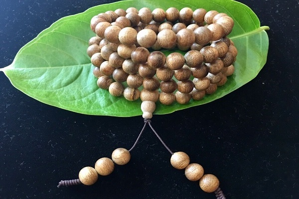 Chuỗi tràng hạt bồ đề gỗ trầm hương