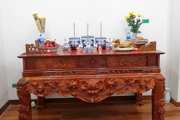 Chuyển bàn thờ sang vị trí khác trong nhà