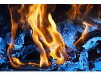 Hướng dẫn cách đốt phong lông xả xui như thế nào