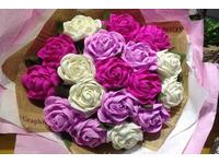 Hướng dẫn cách làm hoa hồng xoắn bằng giấy nhún đơn giản