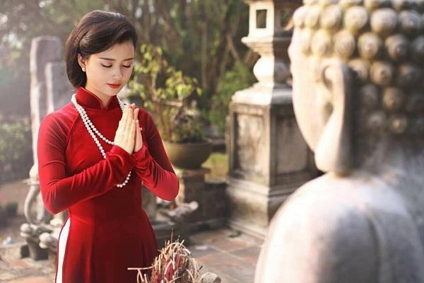 Khi đi lễ chùa khấn cầu nguyện như thế nào cho đúng cách