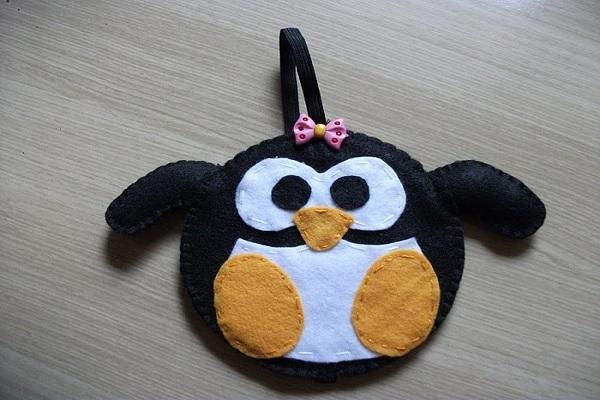 làm móc khóa handmade bằng vải nỉ