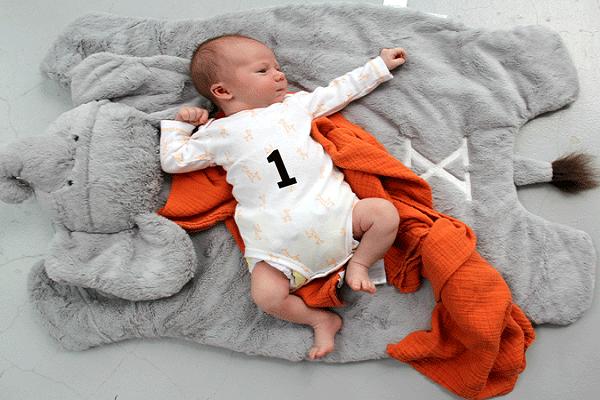 Mâm cúng đầy tháng (mụ) cho bé Trai