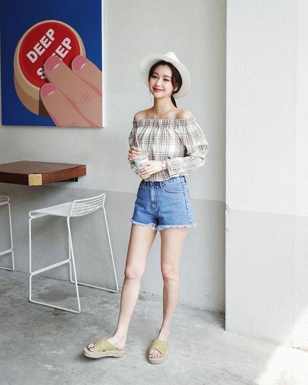 quần short nữ kết hợp với áo gì