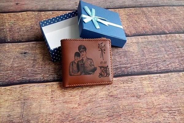 tặng ví cho bạn trai có ý nghĩa gì
