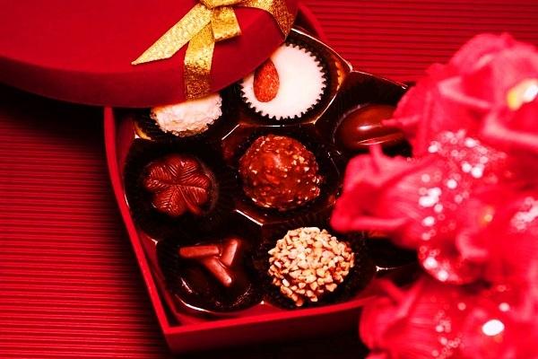 valentine đỏ ai tặng quà cho ai